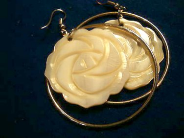 Carved Mother of Pearl Flower Costume Dangle Earrings Pierced Circle
