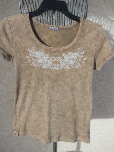 XC15 USA Top M Medium T Shirt Brown With Gold Metal Embellished Good Used Condi