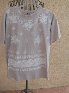 Moda California L Beige T Shirt Top Short Sleeves Floral Blouse New NWOT
