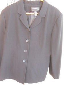 Liz Claiborne Blazer Size 16 Black Fully Lined Long Sleeves Slimming New NWOT