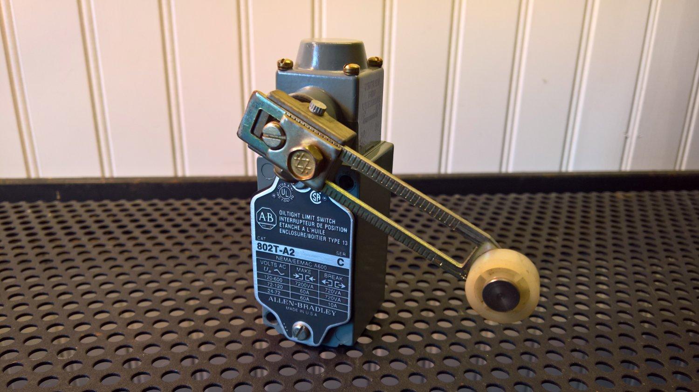 Allen-Bradley Oiltight Limit Switch (802T-A2) *USED*