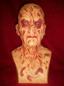Freddy Krueger Signed Resin BUST By Robert Englund W/Photo PROOF!!!