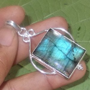 Flashing Cushion Cab Labradorite 925 Silver Handmade Pendant Jewelry