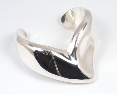 RARE Vintage 1977 Tiffany & Co Peretti Sterling Silver V Cuff Bracelet ITALY