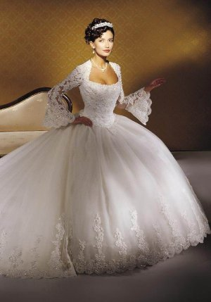 Beautiful Wedding dress/gown & bridesmaid Size 2--48