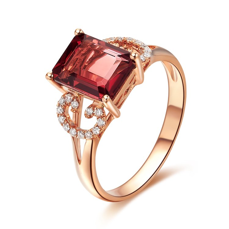 Natural 1.74ct red tourmaline and Surrounding with 26pcs natural diamond 18K rose gold rings