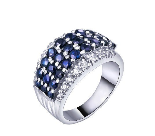 A cluster of sapphire sparking sterling silver ring(2.7ct)