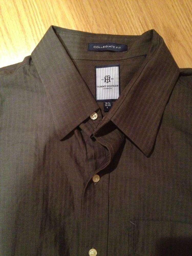 TOMMY HILFIGER Men's Plaid Button Down Shirt Size  Large Grey