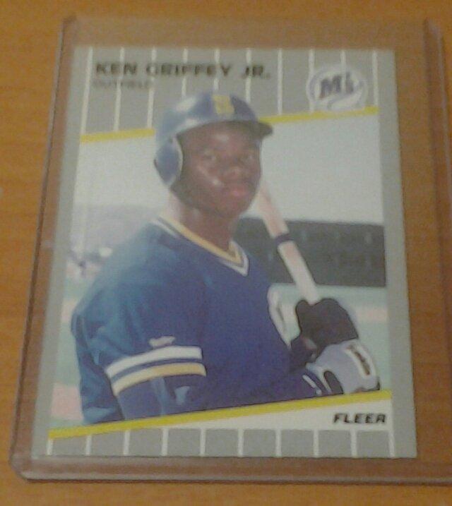 KEN GRIFFEY JR. Seattle Mariners 1989 Fleer rookie card