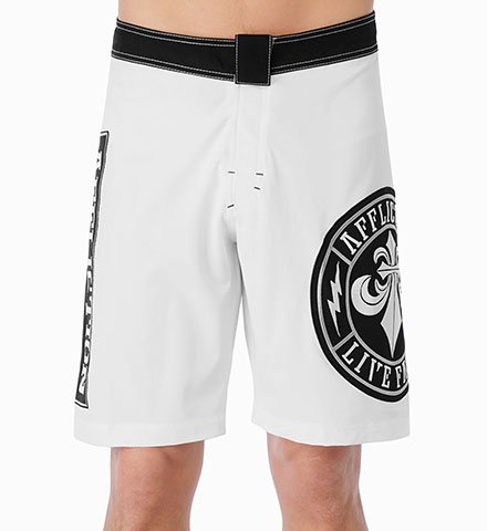 NWT AFFLICTION Spec board shorts white/black size 34 UFC MMA