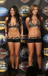 UFC MMA Octagon Girls ARIANNY CELESTE & BRITTNEY PALMER hot sexy 4x6 photo