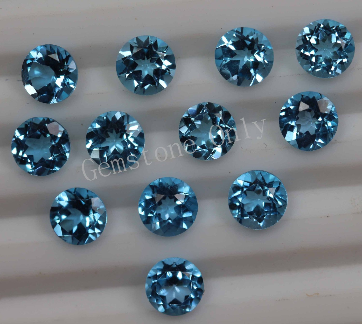 4mm Natural Swiss Blue topaz Faceted Cut Round 1 Piece Blue Color Calibrated Size Loose Gemstone