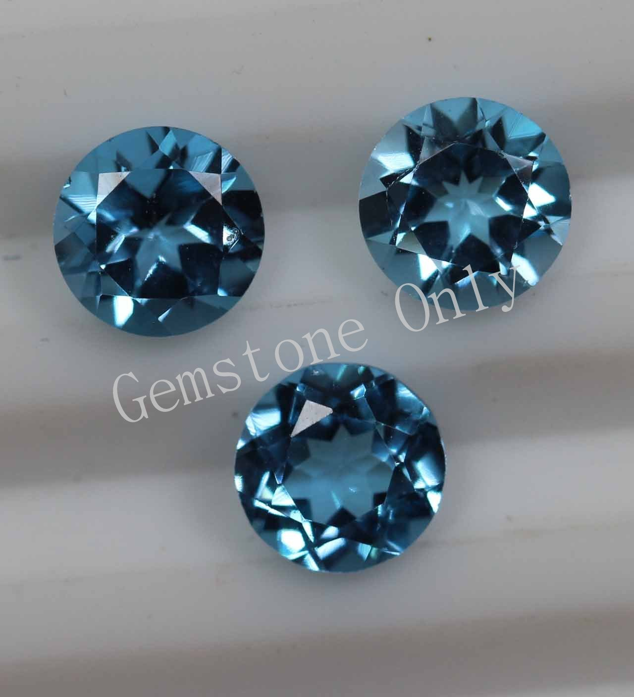8mm Natural Swiss Blue topaz Faceted Cut Round 25 Pieces Blue Color Calibrated Size Loose Gemstone