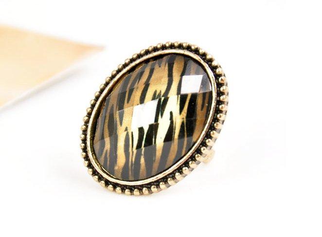 Ancient Zebra Print Oval Framed Ring