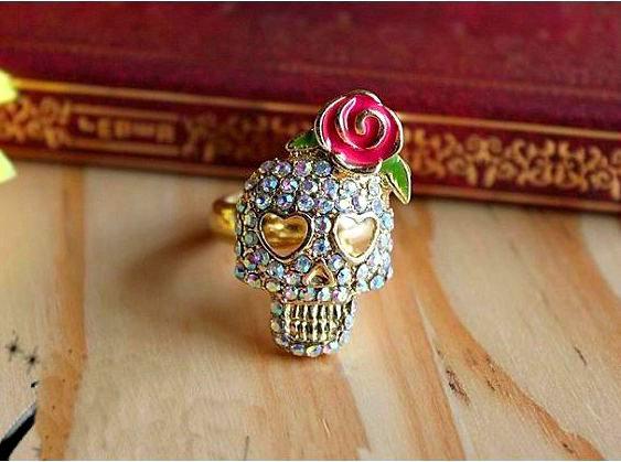 Vintage Lady Skeleton Head Ring