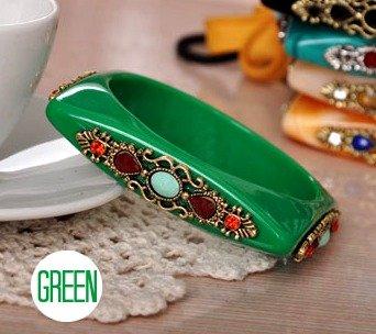 Square Shaped Rhinestone Bangle Bracelet (Green)