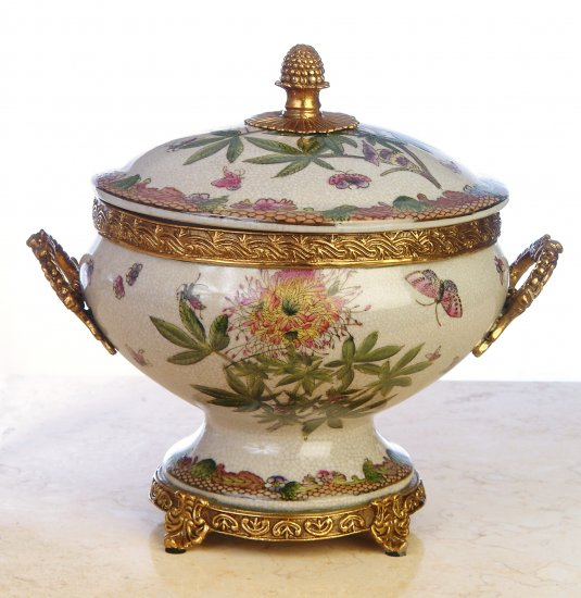 NEW HAND PAINTED FLORAL PORCELAIN JAR WITH LID AND DECORATIVE BRASS - BRONZE