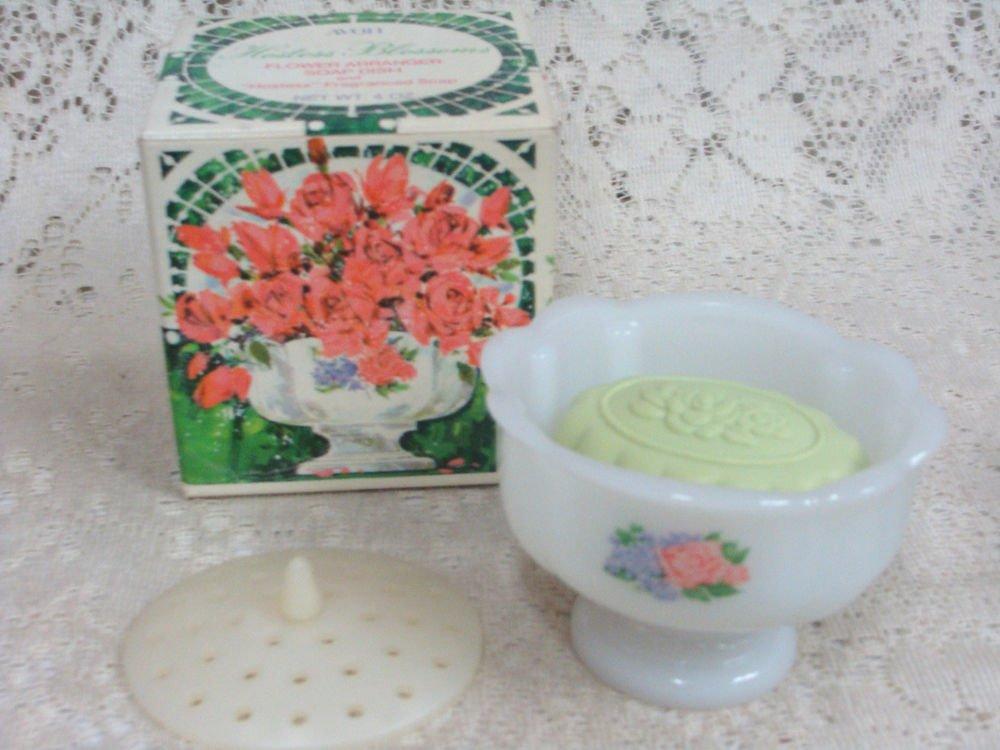 Avon Hostess Blossoms Flower Arranger Soap Dish w/ Fragranced Soap