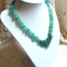 JADE NECKLACE BEAUTIFUL GREEN HANDCRAFTED JEMSTONES