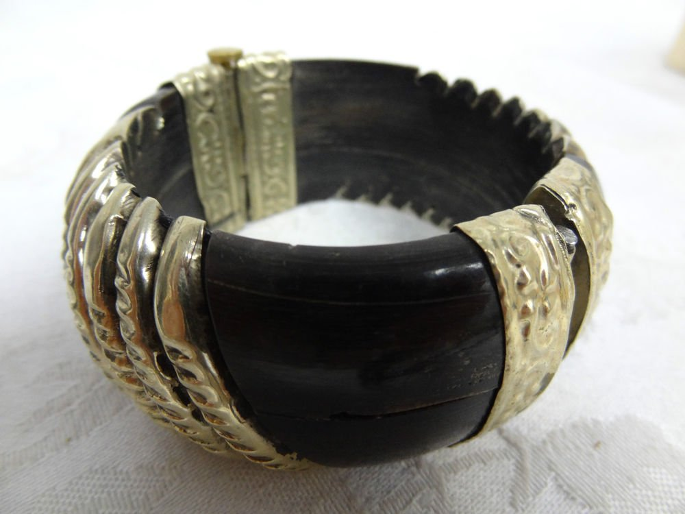 Womens Bangle Vintage Bracelet - (NICE!)