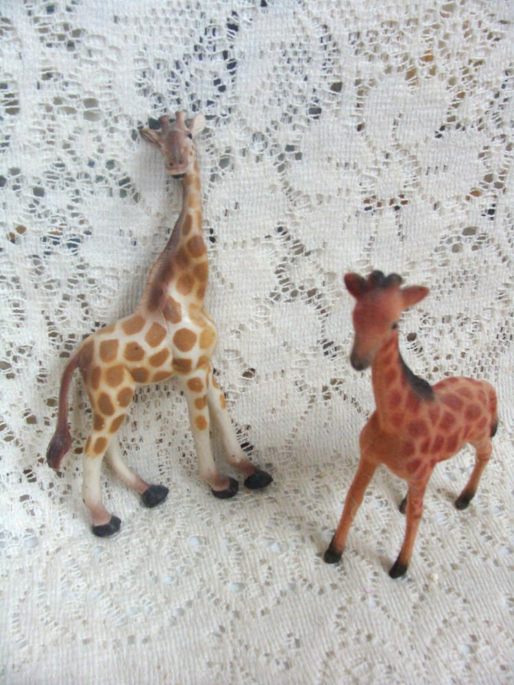 Giraffe Collectible Figurines Set of (2)