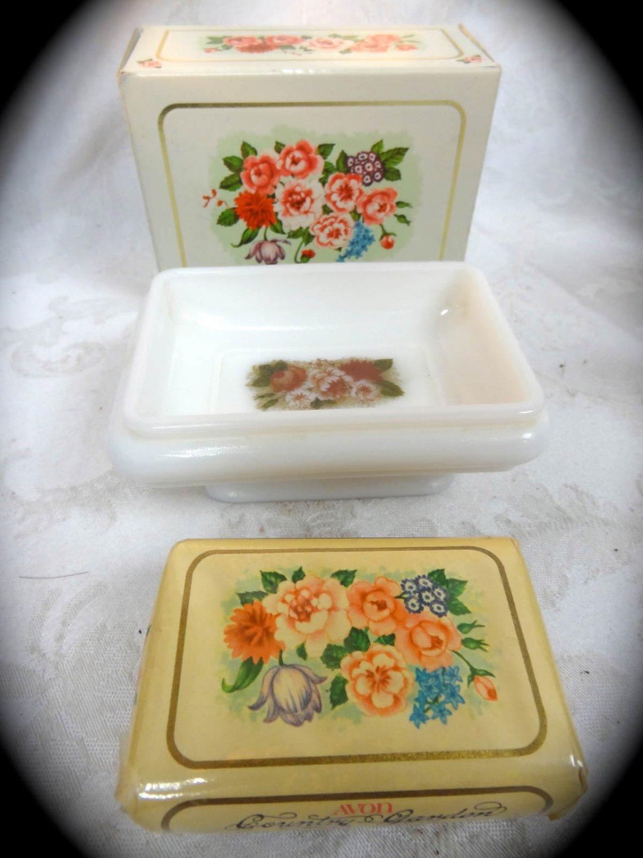 Avon Country Garden Soap Dish & Bird of Paradise Perfumed Soap