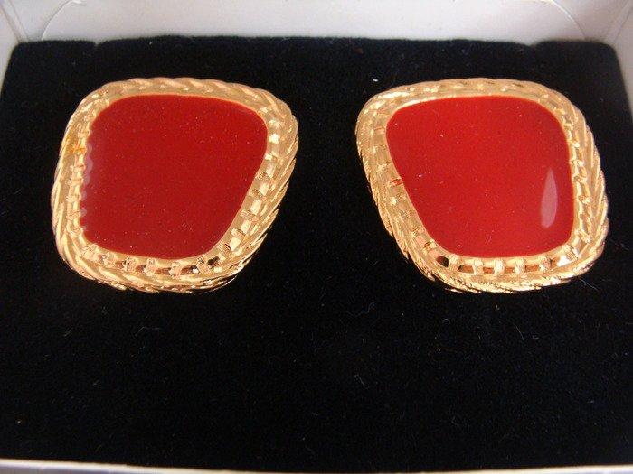 Avon Summer Style Red Pierced Earrings Vintage