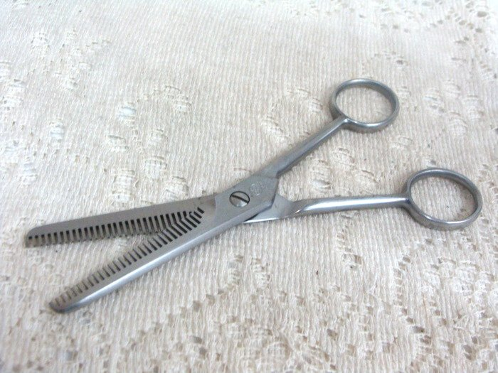 Mundial Marks Hair Cutting Thinning Thining Barber Scissors Made in Brazil