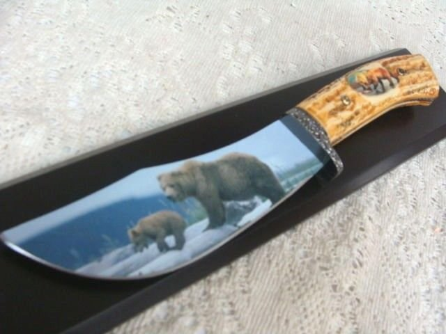 Fixed Blade Bear Etched Knife in Wood Box Display NEW