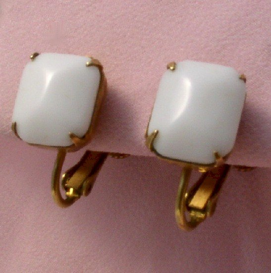 MIRIAM HASKELL Sweet & Simple WHITE GLASS Vintage EARRINGS