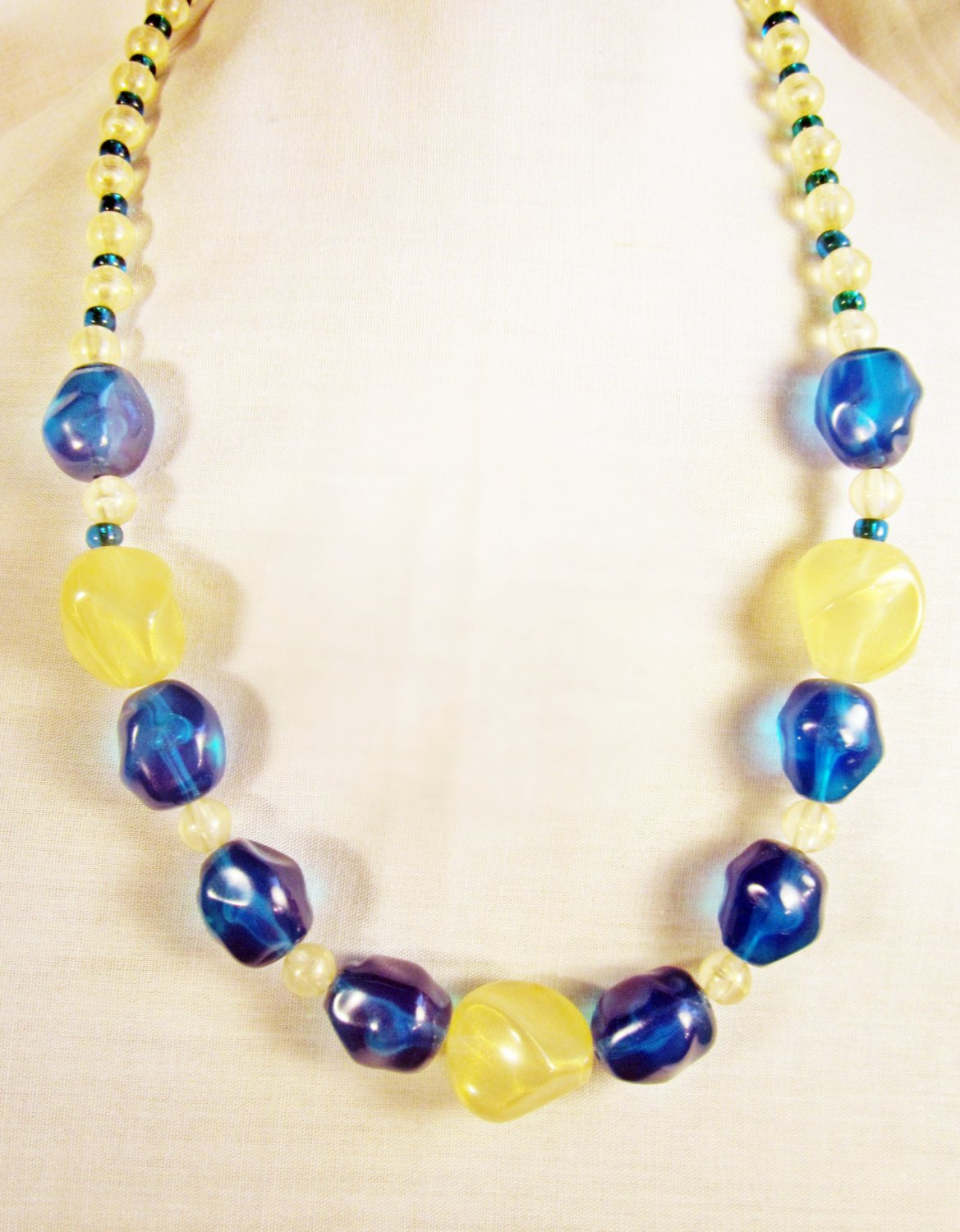 N6 - turquoise & yellow beaded necklace