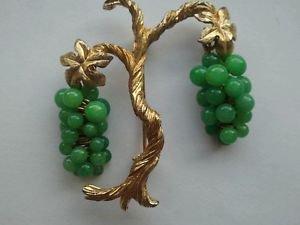 Marvella Vintage 1960's Peking Glass Grape Pin