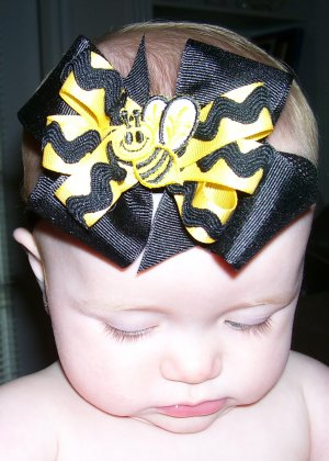Boutique Baby Bow ~BumbleBee~