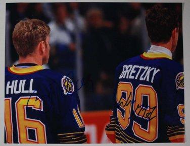 Wayne Gretzky & Brett Hull Duel Autographed 11x14 Photo St. Louis Blues NHL No COA
