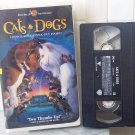 Warner Bros Cats & Dogs (VHS, 2001, Clamshell)