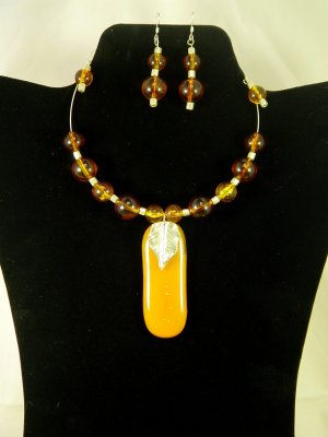 "Designed and Handcrafted Fall Fused Glass 18"" Memory Wire Choker Set 2 1/2"" Pendant"