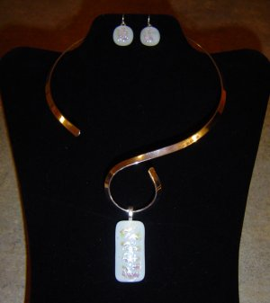 White Dichroic Earrings and Pendant with Silver color Choker
