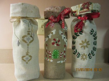 """Holiday Wine Bags  6"""" x 15"""",Burlap Wine Bags, Party Wine Bags, New Years Gift, Christmas Wine Bags"""