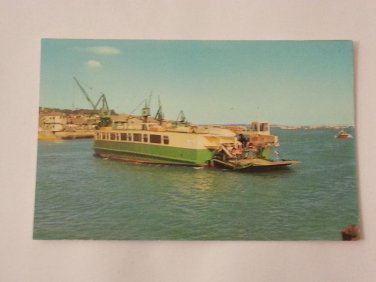 Postcard. Floating Bridge Cowes Isle of Wight Mauritron #78279