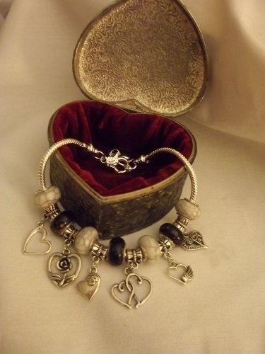 "Classic Look Black & White European  Murano Glass Charm Bracelet 9"""