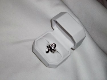 """Silver """"S"""" Shaped Ladies' Ring Size 8"""