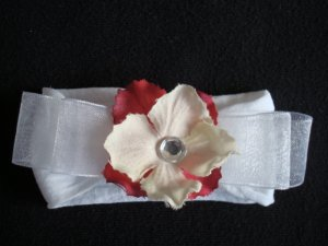 Chelsea BOW/Red and Cream on White Band