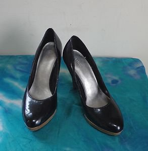 EUC - FIONI BLACK FAUX PATENT LEATHER HIGH HEEL SHOES SIZE - 5W