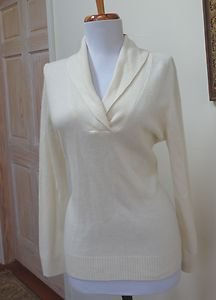 NWT - CHARTER CLUB PETITE Ivory 100% Cashmere Collared V-Neck Sweater - Size P/S