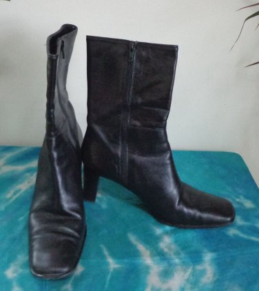 EUC - COACH *BACARA*, MADE IN ITALY BLACK GENUINE LEATHER ANKLE BOOTS - Size 9 B