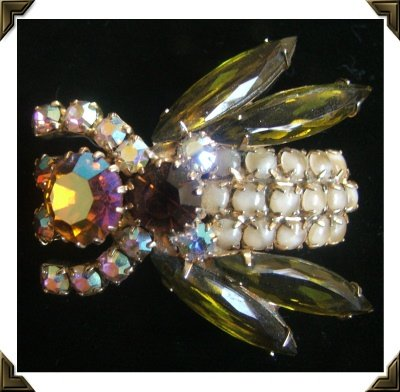 Stunning Unmarked Vintage BEE BROOCH / Pin~ Prong Set Citrine ABs Opalescent