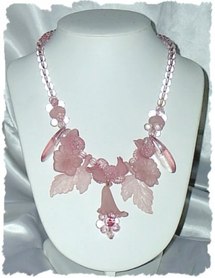 Necklace ~ Pink FLOWERS Plastic Beaded 1960s Boho