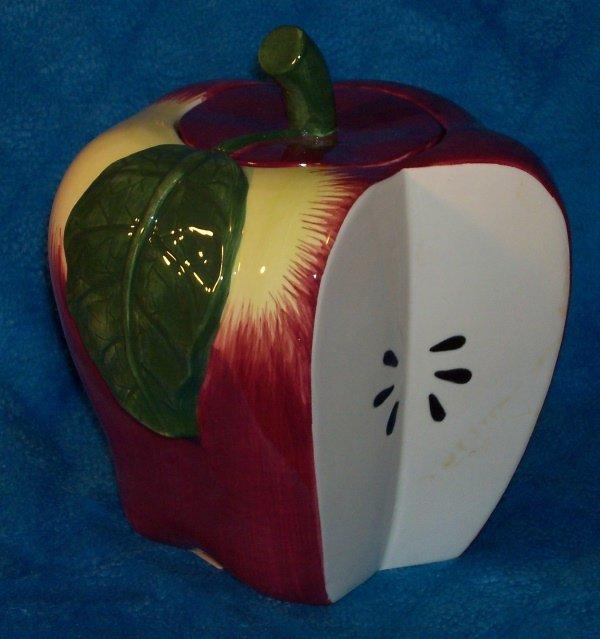 MacIntoshl Apple Cookie Jar by Treasure Craft