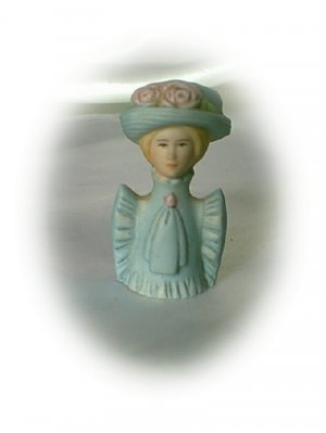 Avon Fashion Silhouettes Thimble 1800s Lady