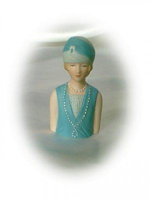 Avon Fashion Silhouettes Thimble 1927 Lady